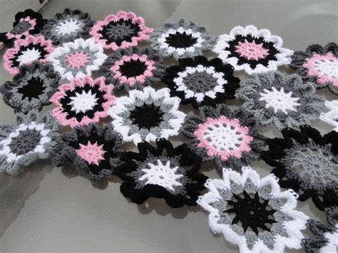 Pashmina Motif Flowers 1 crochet japanese flower shawl yarnchick40
