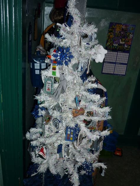 doctor who christmas tree wibbly pinterest