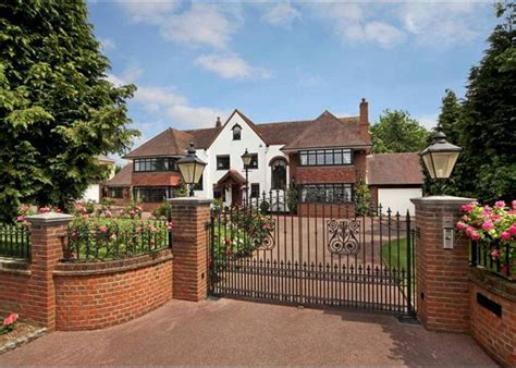 8 bedroom house for sale 8 bedroom house for sale in the drive ickenham ub10 ub10
