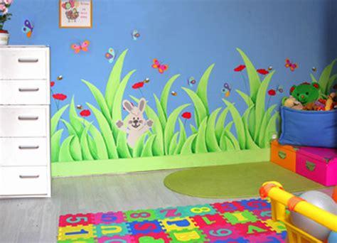 peinture murale chambre enfant et un de plus deco chambre enfant les ramadanettes