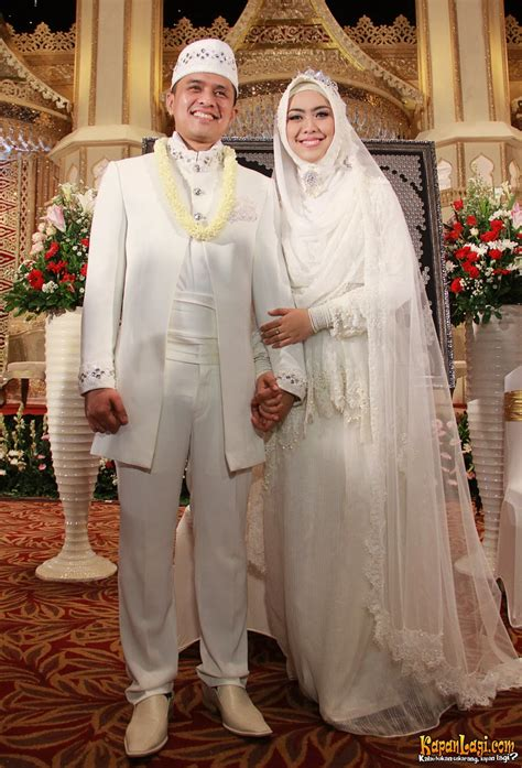 Busana Muslim Oki Setiana Dewi Model Baju Dress Kebaya Hairstyle Gallery Auto Design Tech
