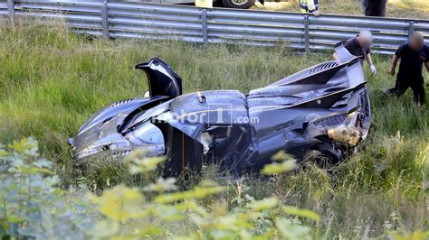 koenigsegg crash test koenigsegg one 1 crashes on the n 252 rburgring