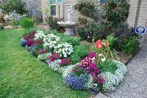 Landscape Borders Houston Tx Alyssum Lobelia Dianthus Petunias Outdoor