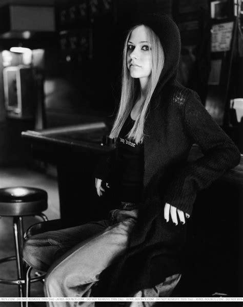 Eres Magazine 2002 - Avril Lavigne Photo (32193536) - Fanpop