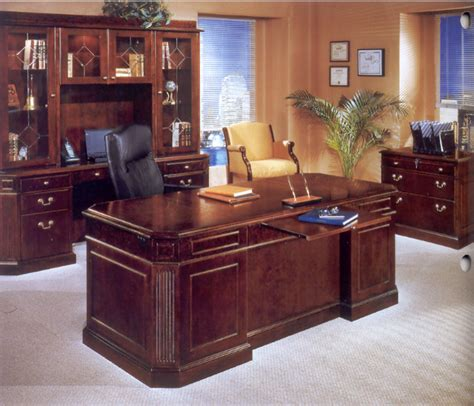 Traditional Home Office Furniture Traditional Office Desks Pictures Yvotube