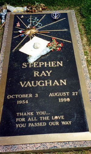 stevie ray vaughan grave laurelland cemetery oak cliff favorite places texas