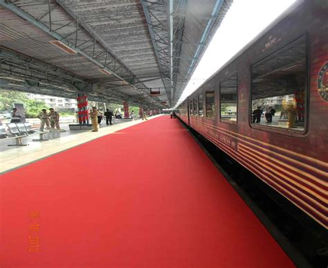 maharaja express train maharajas express photo gallery images of luxury train