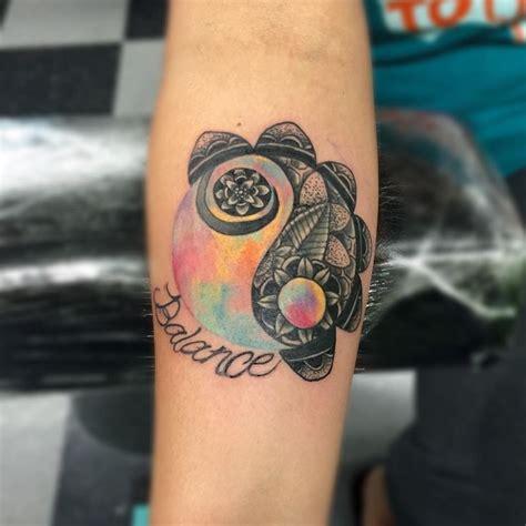 yin yang rose tattoo 1000 ideas about yin yang tattoos on henna