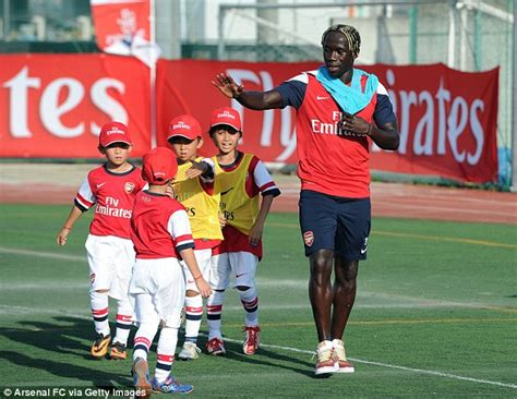 arsenal japanese player arsenal to refund asian fans who paid to meet players