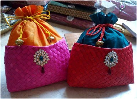8 Perfect Return Gift Ideas   Metro Weddings India