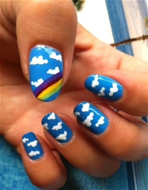 Cloud Nail Design