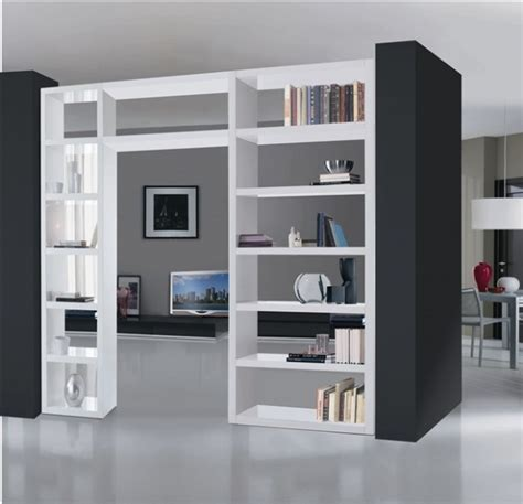 parete divisoria libreria dividere cucina e soggiorno idee