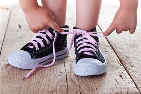 how to tie your shoes properly you ve been doing it