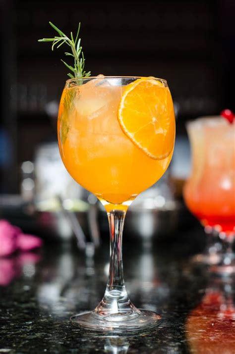 engaging cocktail  pexels  stock