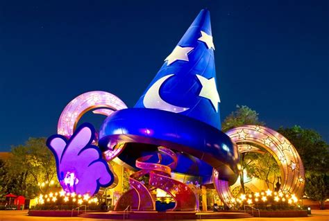 hollywood studios names 2 huge signs that disney s hollywood studios is getting a