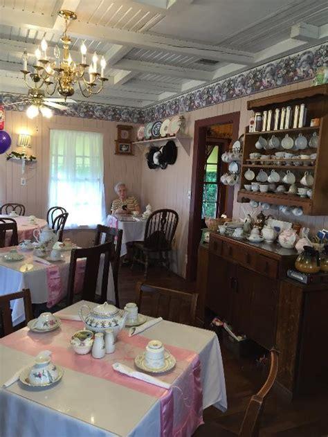 four friends tea room four friends tea room gifts pearland omd 246 om restauranger tripadvisor