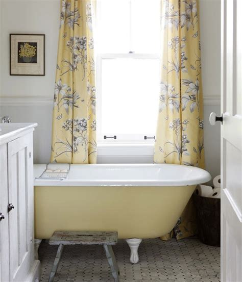 clawfoot tub bathroom design yellow clawfoot tub bathroom ideas pinterest