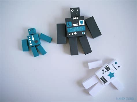 Make A Paper Robot - free cube templates for the diy paper robots