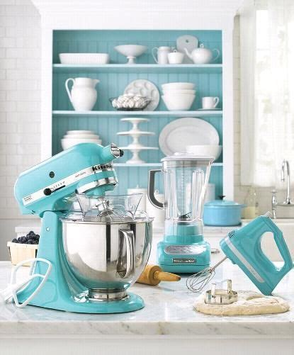Colorful Kitchen Accessories by 10 Kitchen Decor Ideas For Your Mobile Home Rental