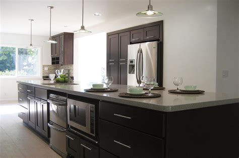 Newport Kitchen Cabinets by Talk To A Pro About Stock Kitchen Cabinets Amp Remodeling