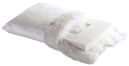 dormire senza cuscino cervicale meglio non dormire mai senza cuscino il guanciale aiuta