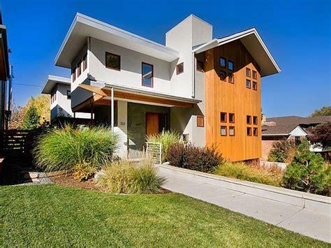Modern 2 story residence in Mayfair for sale