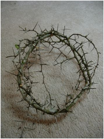 How To Make A Crown Of Thorns Out Of Paper - two ways to make a crown of thorns
