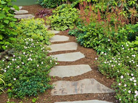 viali giardini lastricato in pietra per vialetti da giardino reggio