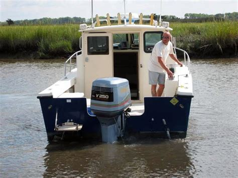 saltwater fishing boat with cabin 1999 used parker 2520 sport cabin saltwater fishing boat