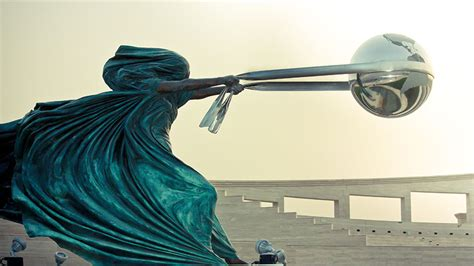 amazing sculptures 10 of the most amazing sculptures in the world bored panda