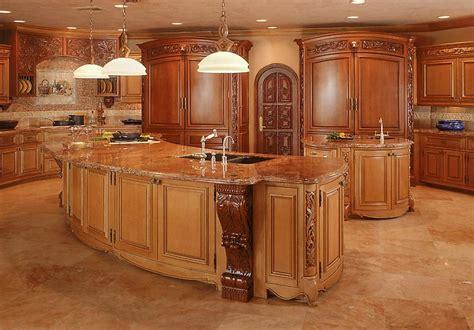 stunning amazing kitchen color ideas in wooden soft brown أحلى المطابخ و الديكورات الجديدة و لكنها ذو طابع قديم2013
