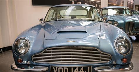 Seattle Aston Martin by Aston Martin Bond S Carmaker Of Choice Files For