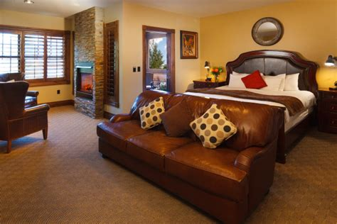 2 bedroom suites buffalo ny hotel suite in jackson hole white buffalo club 2 bedroom