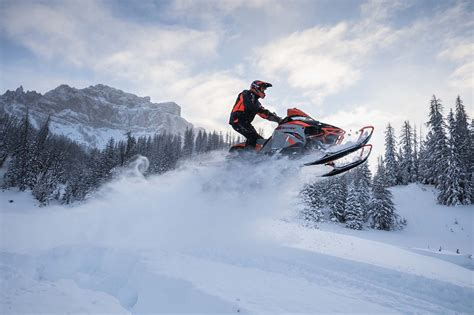country l 8 things to about the new 2018 arctic cats maxsled