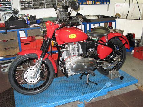 Diesel Motorrad Verbrauch motorrad pedelec reisen fotografie sommer diesel ab