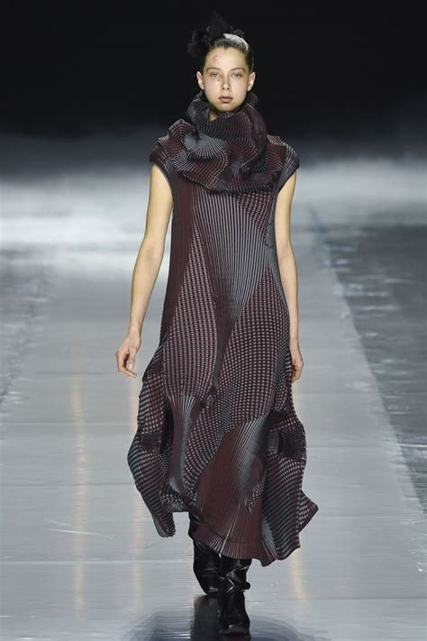Issey Miyakes Populist Fashion by 1000 Images About Issey Miyake On Recycled