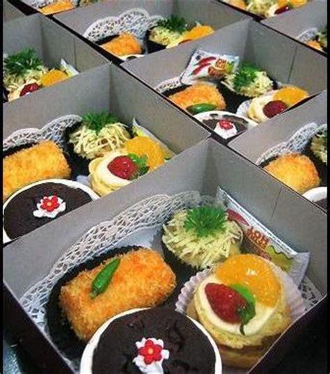 100 Transaksi Sukses Dari 9 Transaksi Bagikan Snack Snack Anjing jual aneka kue box snack aneka shops