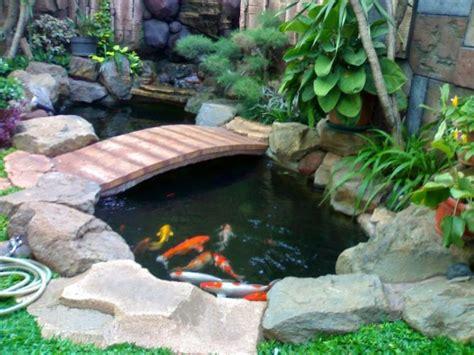 Backyards Ideas by Gambar Desain Kolam Ikan Minimalis Di Depan Rumah