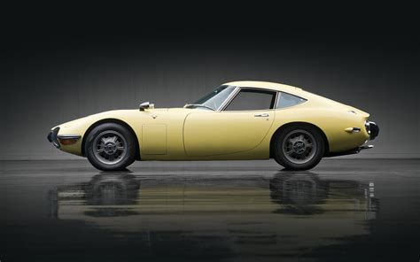 1967 Toyota 2000gt 1967 Toyota 2000gt Sets Auction Record For Japanese Car