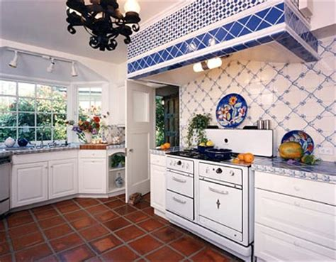 french country kitchens ideas in blue and white colors การจ ดวางแผนผ งห องคร ว