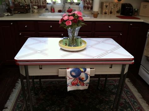 1000  images about Vintage enamel kitchen tables on