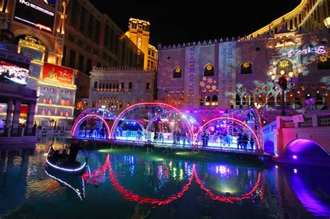 vegas attractions over christmas winter in venice at the venetian will kick your humbug squarely in the happies vital vegas
