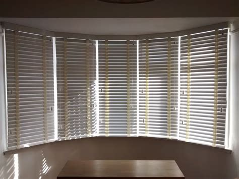 Window Shade Venetian Blinds by Wood Venetian Blinds In Chalk Colour Fitted To A 5