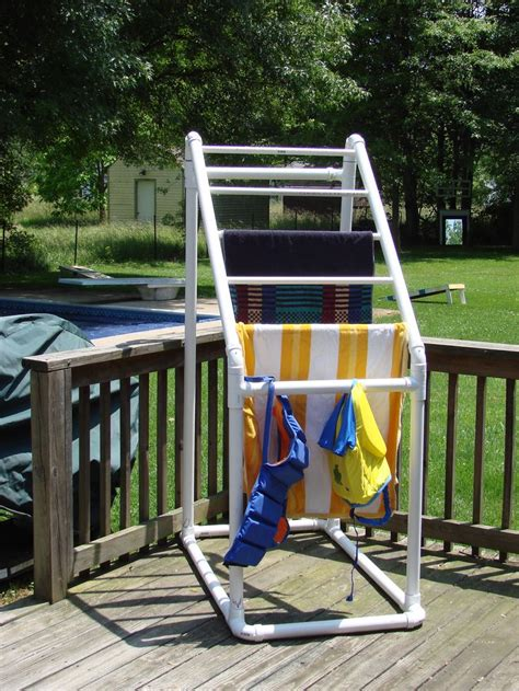 Pvc Pipe Towel Drying Rack by 25 Best Ideas About Towel Rack Pool On Pvc