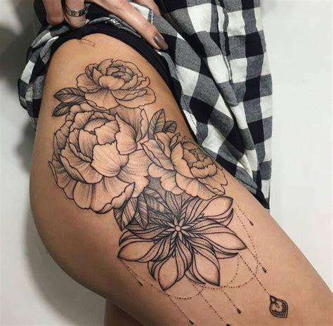 tattoo mandala vrouw top 25 best hip tattoos ideas on pinterest hip thigh