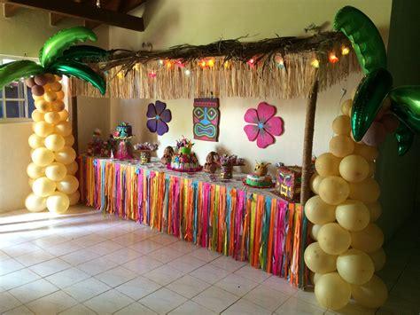 theme names for hawaiian parties hawaiian luau tiki hut cake table isla s 5th birthday