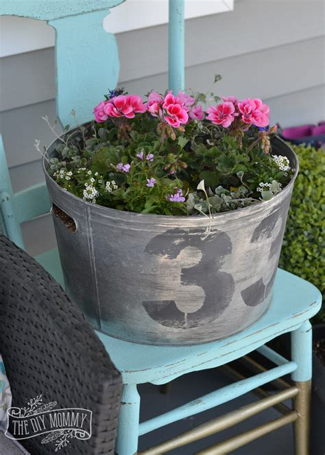 Galvanized Planter by Make A Faux Vintage Galvanized Planter Outdoor