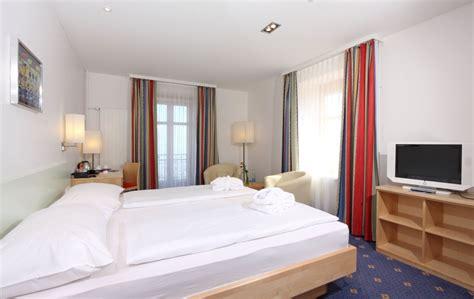 7 teiliges schlafzimmer mit kingsize bett bild quot deluxe zimmer mit king size bett quot zu walzenhausen
