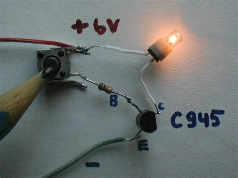 transistor used as a switch file transistor switch circuit photo on jpg wikimedia commons