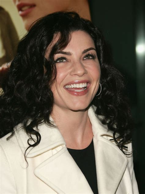 julianna margulies new hair cut julianna margulies cutest celebrity curly hairstyles